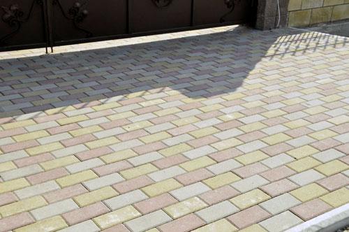 Закончены работы по укладке тротуарной плитки